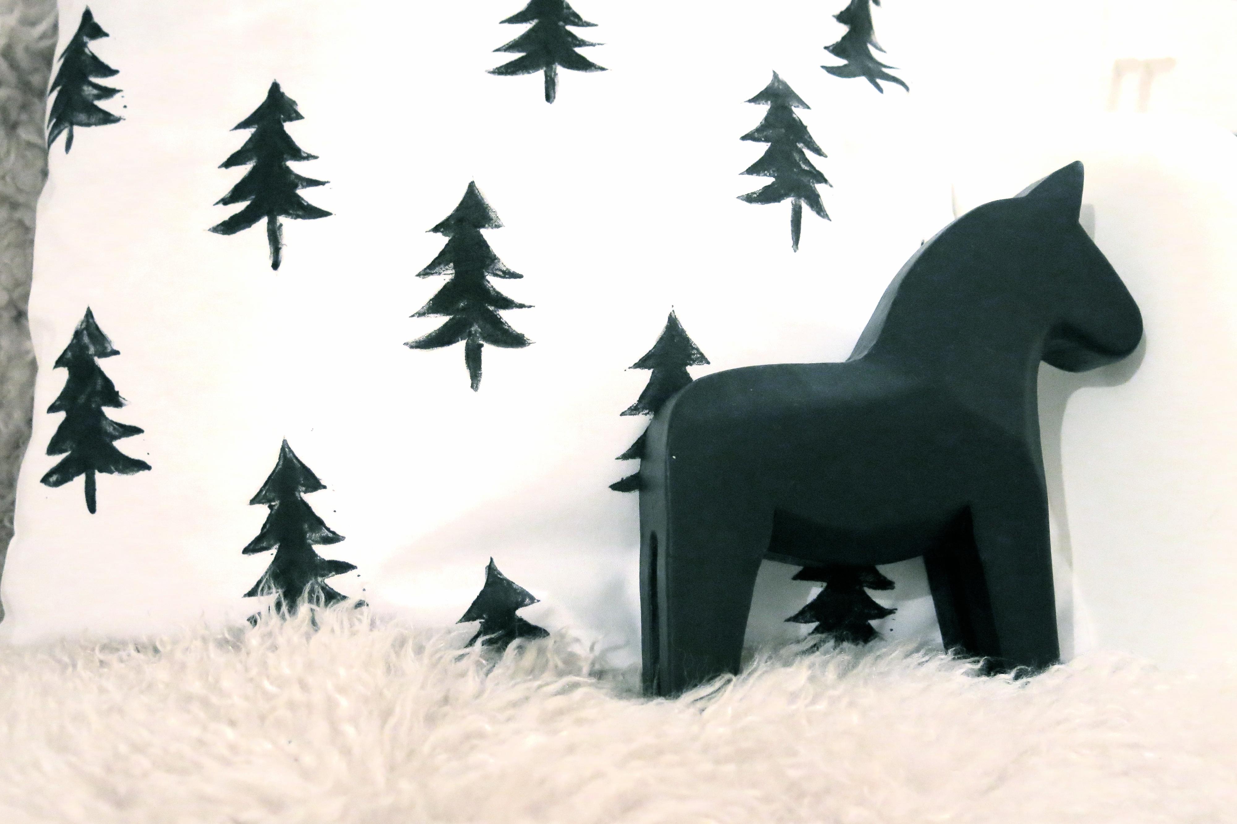 oh tannenbaum 107qm schwarz auf wei. Black Bedroom Furniture Sets. Home Design Ideas